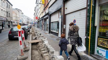 """Pas heraangelegd voor 600.000 euro en nu ligt Handelstraat opnieuw open: """"Telenet veegt voeten aan afspraken"""""""