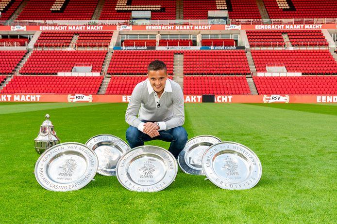 Met PSV pakte Ibrahim Afellay zes nationale prijzen: vier landstitels, een KNVB-beker en een Johan Cruijff Schaal.