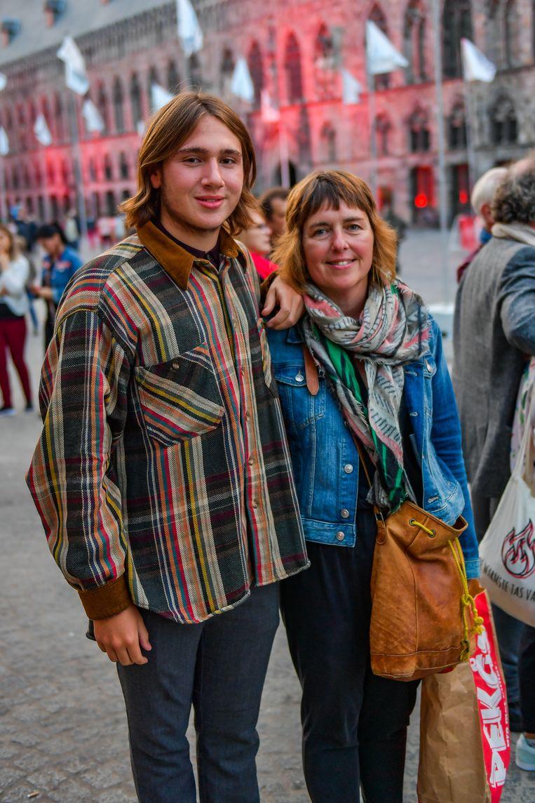 Josse en en mama Katleen uit Asse. Beeld Joel Hoylaerts / Photonews
