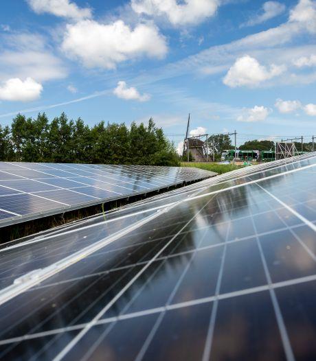Twee zonneparken langs de Maas en Waalweg in Druten