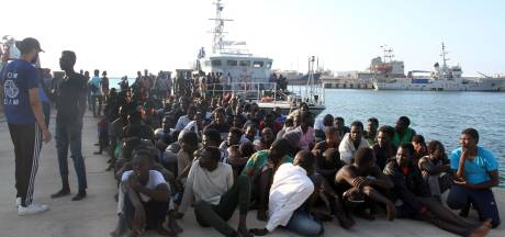 Libische kustwacht redt op verzoek van Italië migranten van zee