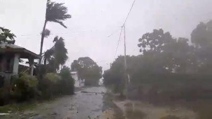 Tropische cycloon raast met 240 kilometer per uur over Fiji
