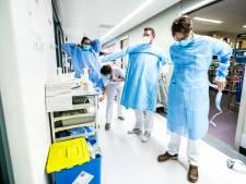 Waarom overstromen onze ziekenhuizen zo snel als de coronacijfers stijgen?