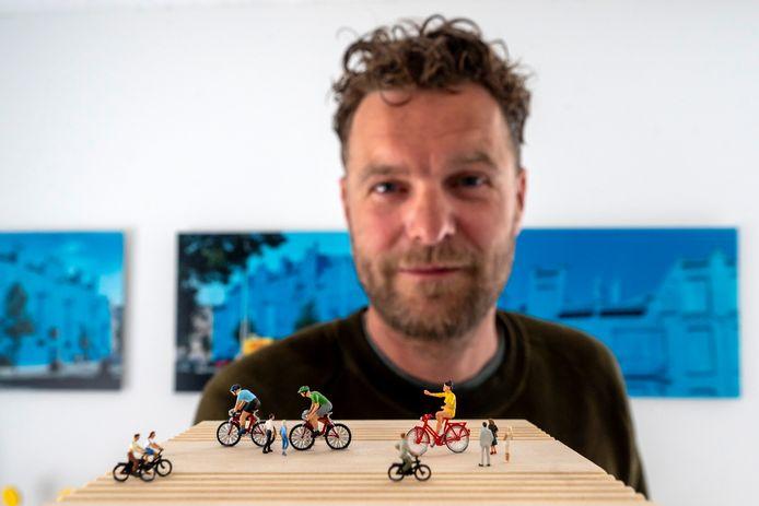 Florentijn Hofman maakte een ontwerp voor een kunstwerk langs de snelfietsroute Veghel-Uden.
