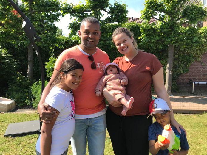Ajay en zijn gezin.