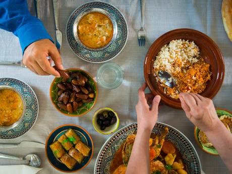 Duizenden maaltijden voor minderbedeelden tijdens ramadan: 'We beginnen met buren die behoeftig zijn'