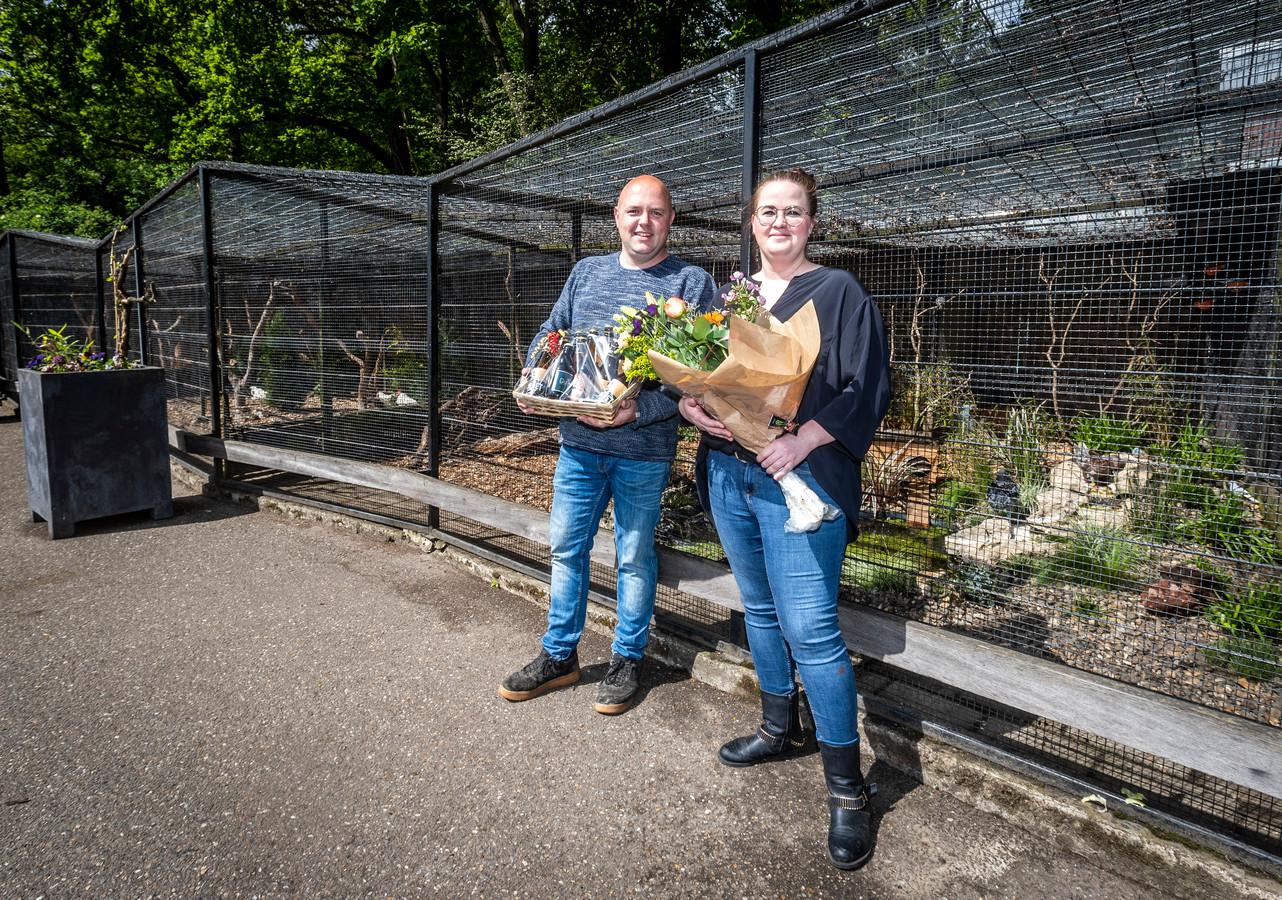Opening nieuwe volières bij dierenpark Warande. Kim van Zanten en Johan Vervoort hebben het vernieuwd.
