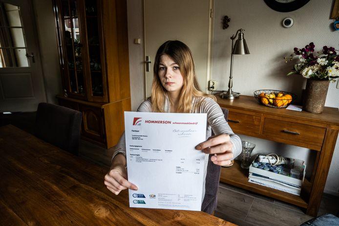 Jessica Aaldering heeft een factuur gekregen van de schoonmaakkosten van haar bevalling bij de tandarts in Velp