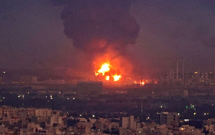 Een beeld dat duidelijk maakt dat het om een enorme brand gaat.