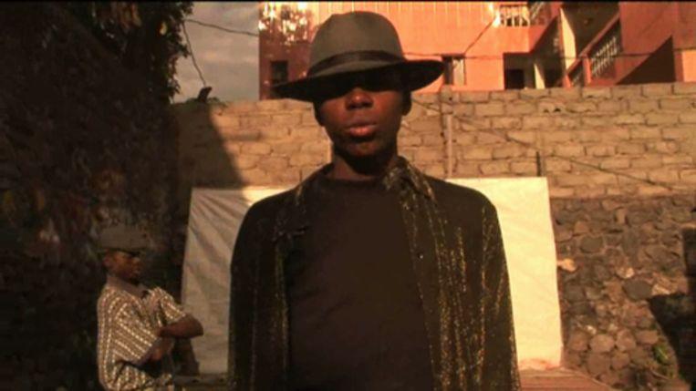 Michael Jackson-imitator uit Congo Beeld