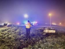 Veel schade na kop-staartbotsing op A1 bij Oldenzaal: aanhanger vernielt schakelkast Rijkswaterstaat