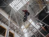 Niet bang voor hoogtes: in oude suikerfabriek Zevenbergen trainen klimmers op telecommasten en kranen