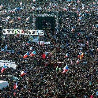 boze-tsjechen-protesteren-tegen-premier-babi%C5%A1:-%E2%80%98we-willen-niet-in-de-periferie-van-europa-belanden%E2%80%99