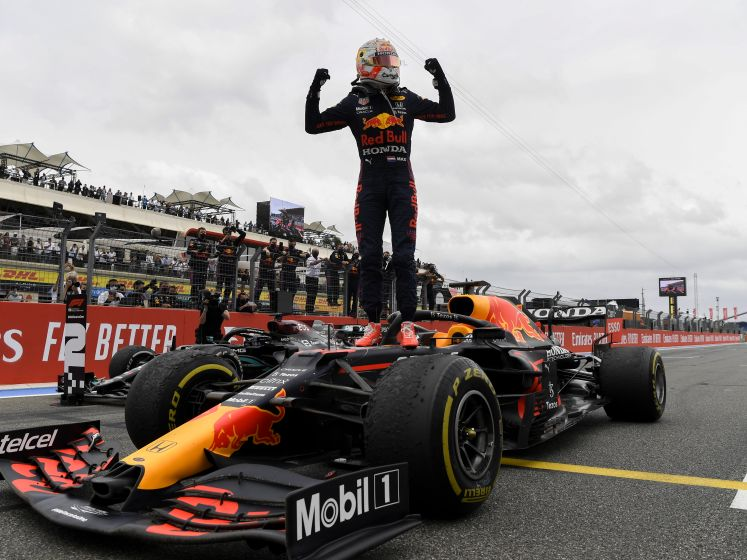 Max Verstappen pakt winst na inhaalactie bij GP Frankrijk