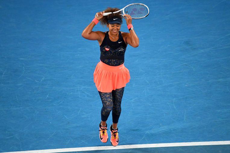 Naomi Osaka maakt een vreugdesprongetje na haar zege in de finale van de Australian Open. Beeld EPA