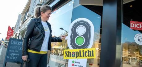 Shoplicht duikt op bij modehuis in Ermelo, maar eigenaresse bezweert: 'niet winkelen zonder afspraak '