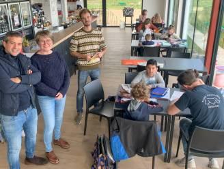 Vrijwilligers geven kinderen van basisschool De Wereldbrug huiswerkbegeleiding én sport