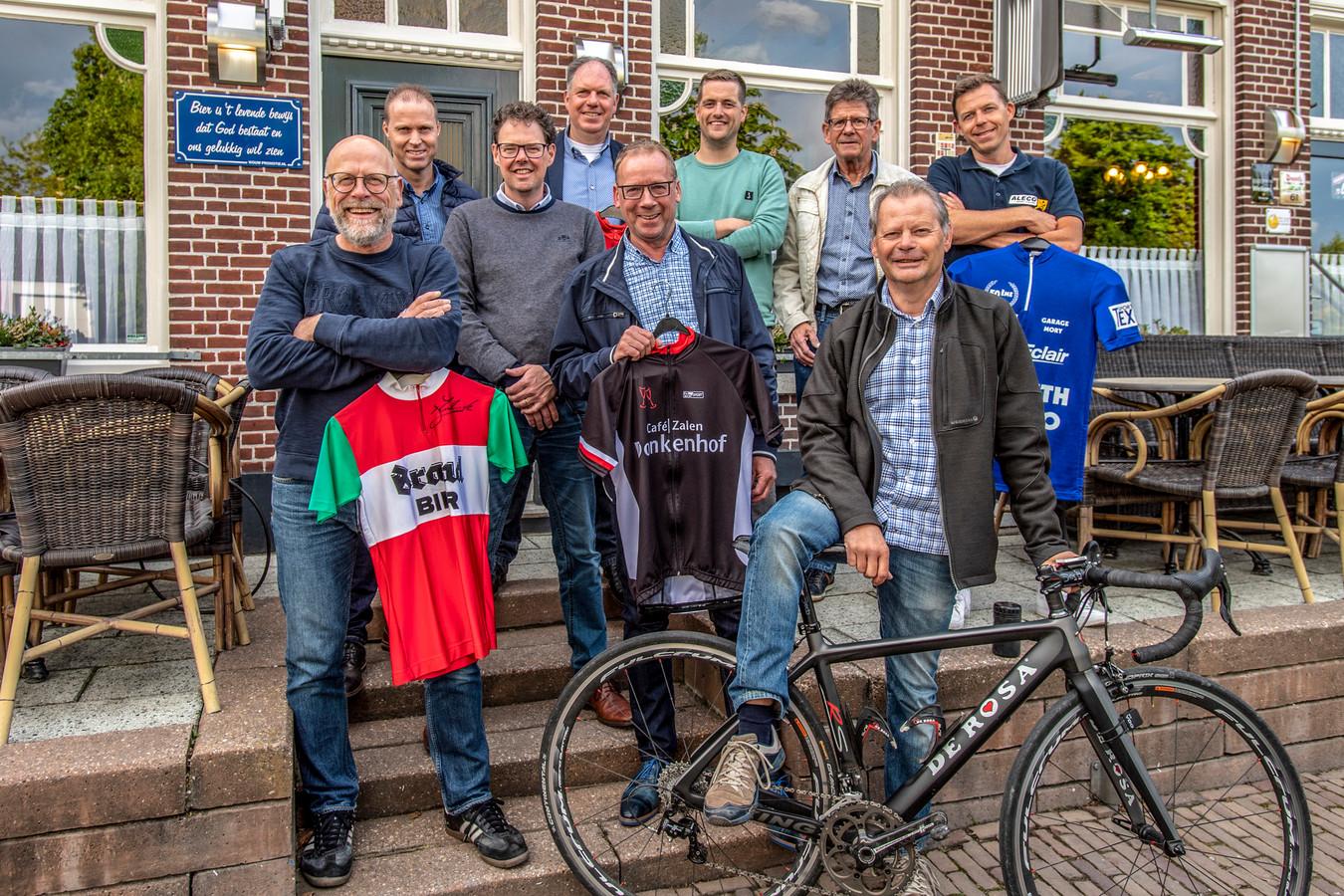 De organisatie achter het Wouws Wieler Weekend. Foto uit 2019.