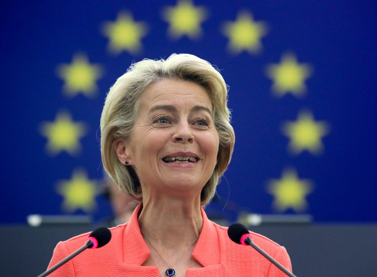 Ursula von der Leyen fileerde in haar speech de gigantische uitdagingen waarvoor de EU staat: een ontsporende ecologische crisis, het economisch herstel na de pandemie, een instabiele en hypercompetitieve internationale context waarin Europese 'soft power' niet meer volstaat. Beeld EPA