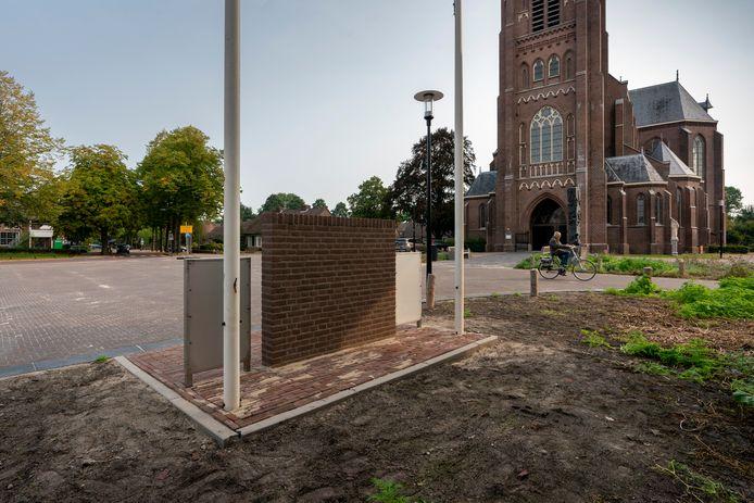 Het monument voor de Schotse bevrijders van Haaren heeft inmiddels een prominente plek voor het gemeentehuis op het Mgr. Bekkersplein gekregen.