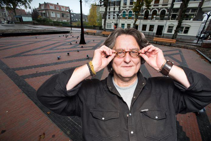 Kees Thies heeft ideeën verzameld om het Vrieseplein in Dordrecht te 'reanimeren'.