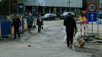 Burgemeester bekijkt mee gevaarlijke punten tijdens werken op Strombeeks Gemeenteplein