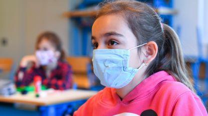 """Waarom we zo weinig mondmaskers dragen, ook waar ze verplicht zijn: """"We willen niet als enige het heilig boontje uithangen"""""""