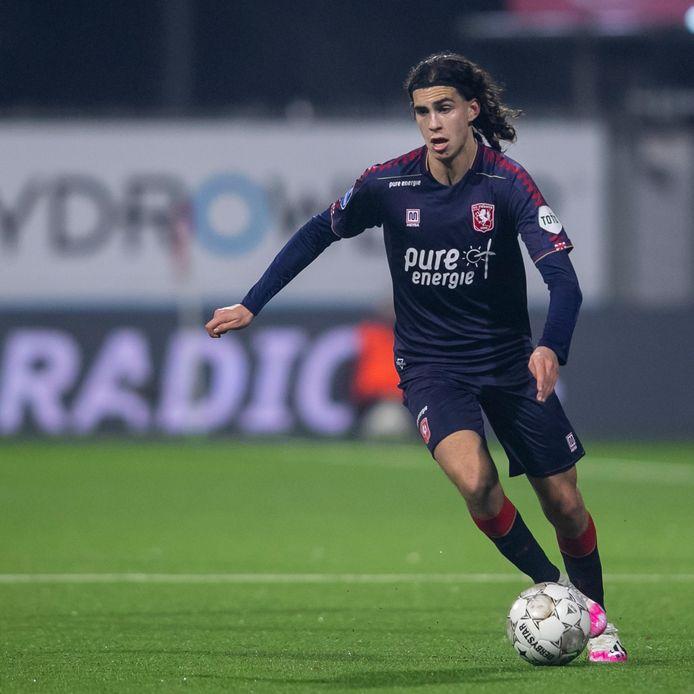 Ramiz Zerrouki, de vervanger van Wout Brama, was zaterdag van grote waarde voor FC Twente.
