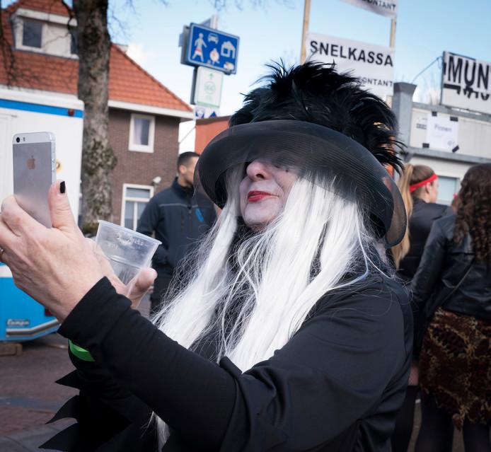 Heks Henriette Kerkman (54) uit Huissen.