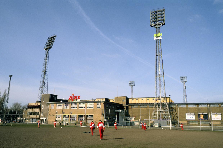De Meer was de thuisbasis van voetballers als Sjaak Swart, Johan Cruijff en Marco van Basten.