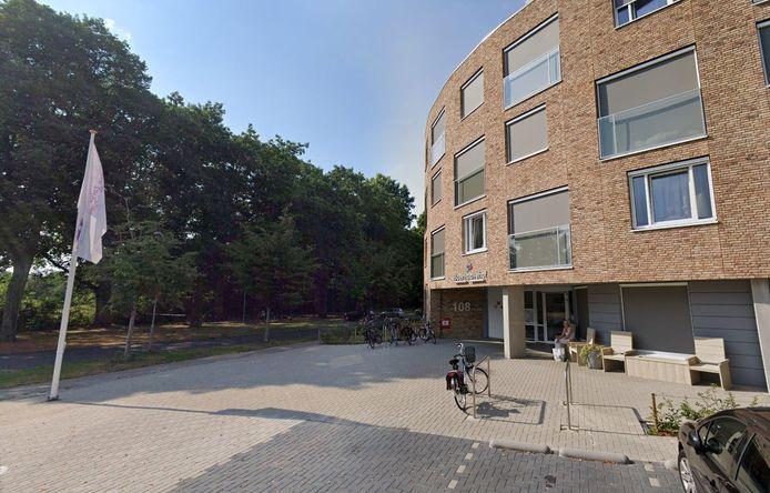 In het nog vrij nieuwe Boerhaavehof in Harderwijk zijn drie bewoners besmet met corona. Een zorgelijke situatie, vindt manager Ard Kleijer.