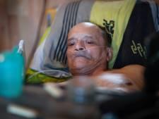 Fransman die eigen dood wilde livestreamen naar ziekenhuis: 'De pijn werd te heftig'