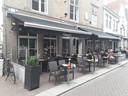Stephanie Schulte is eigenaar van grand café Carras dat is gevestigd in de Karrenstraat.