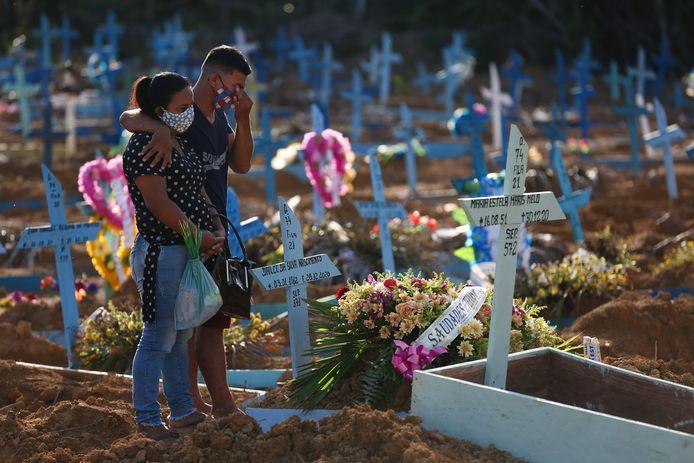 Begraafplaats Nossa Senhora Aperecida in Manaus, de hoofdstad van de staat Amazonas.