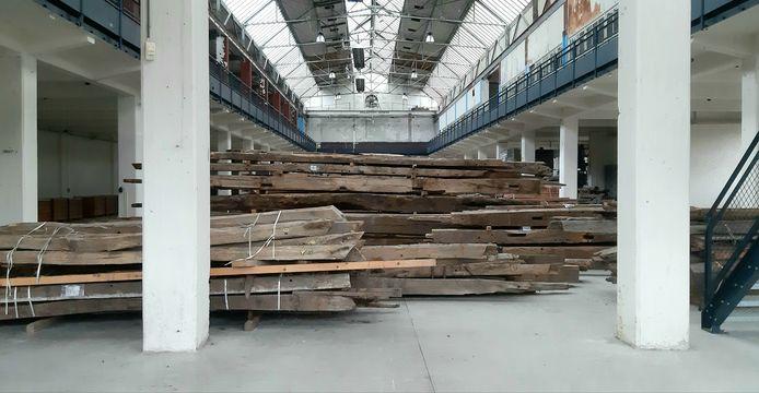 Boerderij Beernink lag onder meer in een van de Hazemeijer-hallen in Hengelo in onderdelen opgeslagen.