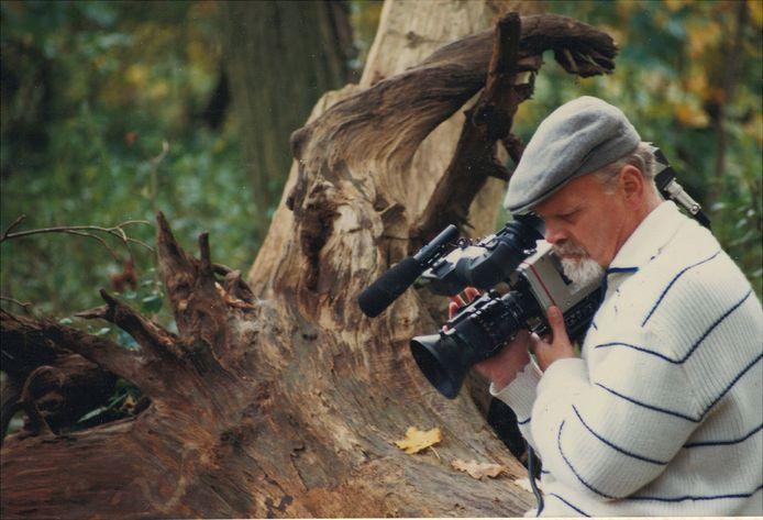 Arnold Miltenburg in de natuur aan het filmen