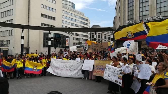 """250 Ecuadoranen protesteren in Brussel tegen regering-Moreno: """"Zijn misdaden moeten stoppen"""""""