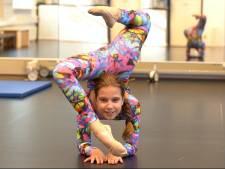 Britt (12) kan zich bewegen als een slang