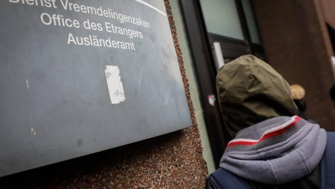 """Worden we """"overspoeld"""" door een nieuwe instroom asielzoekers? De cijfers op een rijtje"""