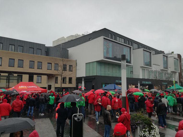 Vierduizend actievoerders op de pensioenbetoging in Hasselt. Beeld Belga