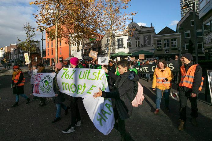 De demonstranten trokken in Eindhoven vanaf het 18 Septemberplein door de binnenstad naar het Stadhuisplein.