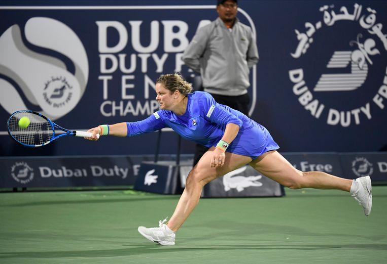Clijsters aan het werk in Dubai.'Ik ben heel blij met het niveau van die tweede set.' Beeld Photo News