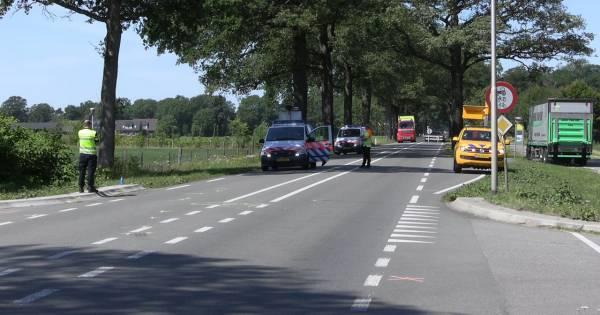 Gewonde bij ongeluk met scootmobiel en vrachtwagen in Winterswijk.
