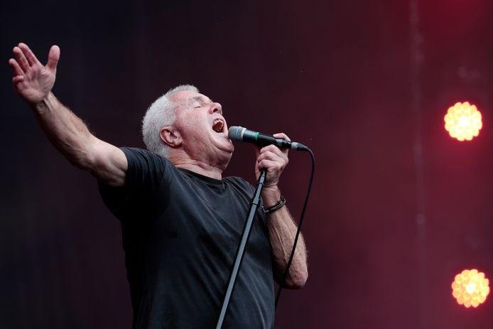 Daryl Braithwaite tijdens zijn optreden gedurende het Fire Fight Australia-concert in het ANZ Stadion in Sydney.