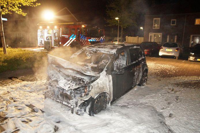 Auto- en schuurbrand aan de Everardus van Goghlaan in Oudheusden.