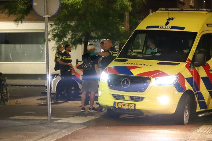 Bij een steekpartij op de Wenckebachstraat in Den Haag is afgelopen nacht een man zwaargewond geraakt.