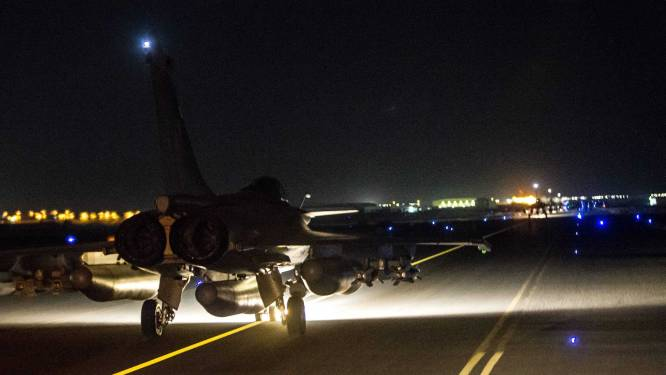 Fransen voeren opnieuw luchtaanvallen uit op Raqqa