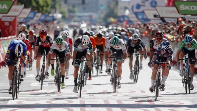 Belgisch succes in Vuelta: Philipsen is Jakobsen nét te snel af in eerste sprintersetappe