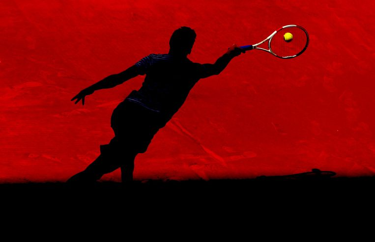 De Bulgaarse tenniser Grigor Dimitrov slaat een forehand bij het ATP-toernooi van Madrid. Beeld getty