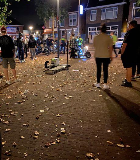 Politie Deventer pakt verkeershuftertjes op scooters aan en bekeurt fietsers met mobiele telefoon